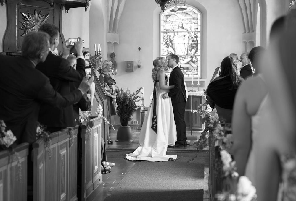 Kyss i kyrkan